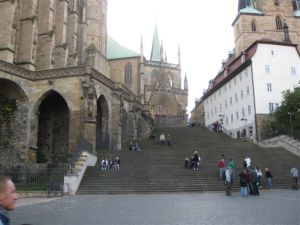 Church of St. Severi, linked to the Dom with a 70 step open staircase.
